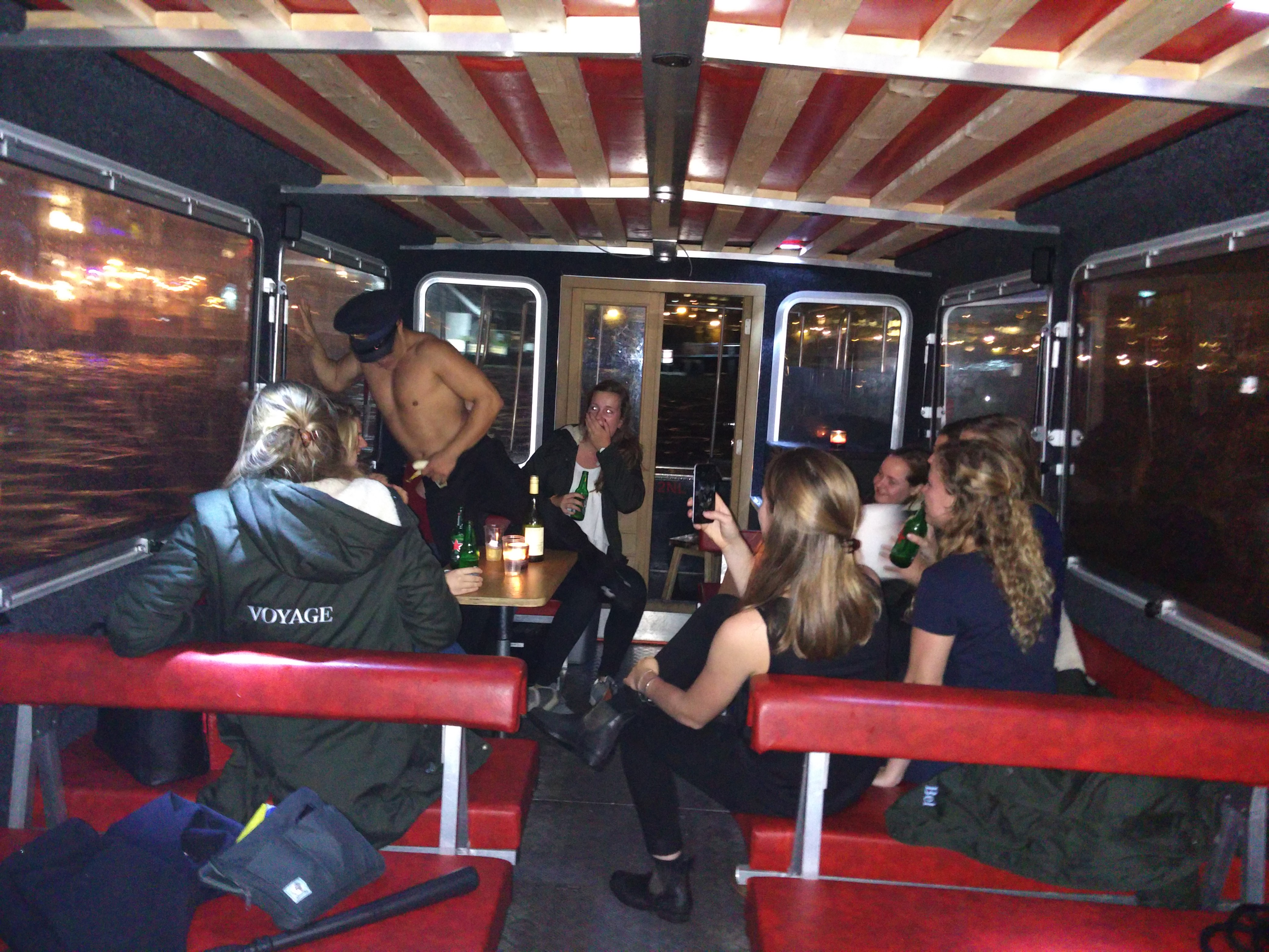 Striptease Boot Amsterdam Wallen Een Striptease Op Het Water